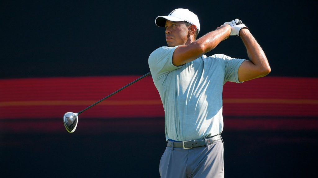 Tiger and Rory tame the Aronimik with opening rounds of 62